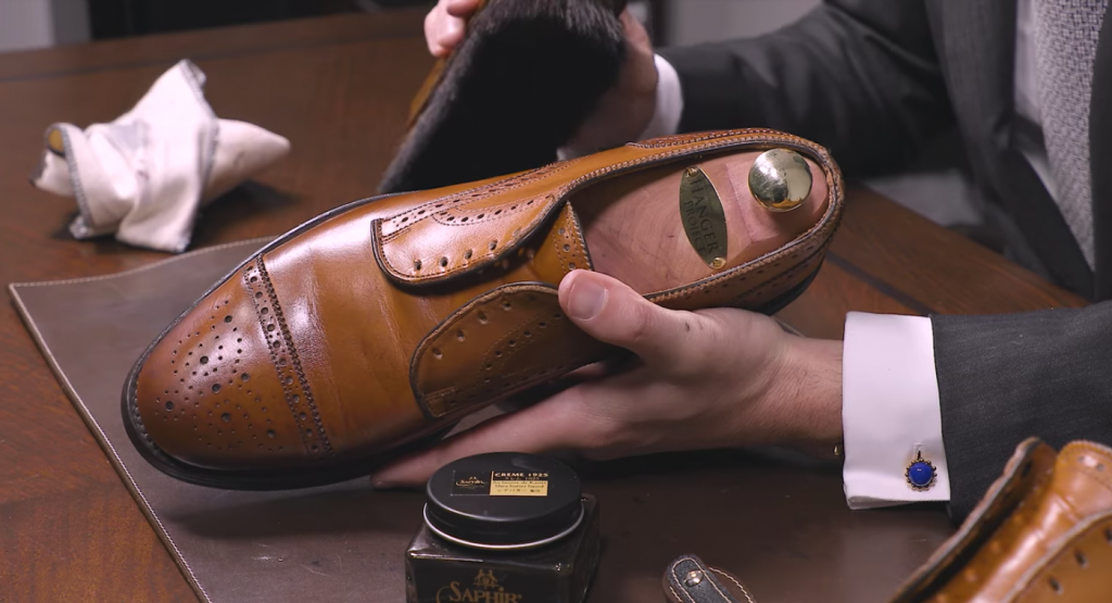 How To Antique Dress Shoes - Step 1.2