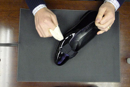 how to clean patent shoes